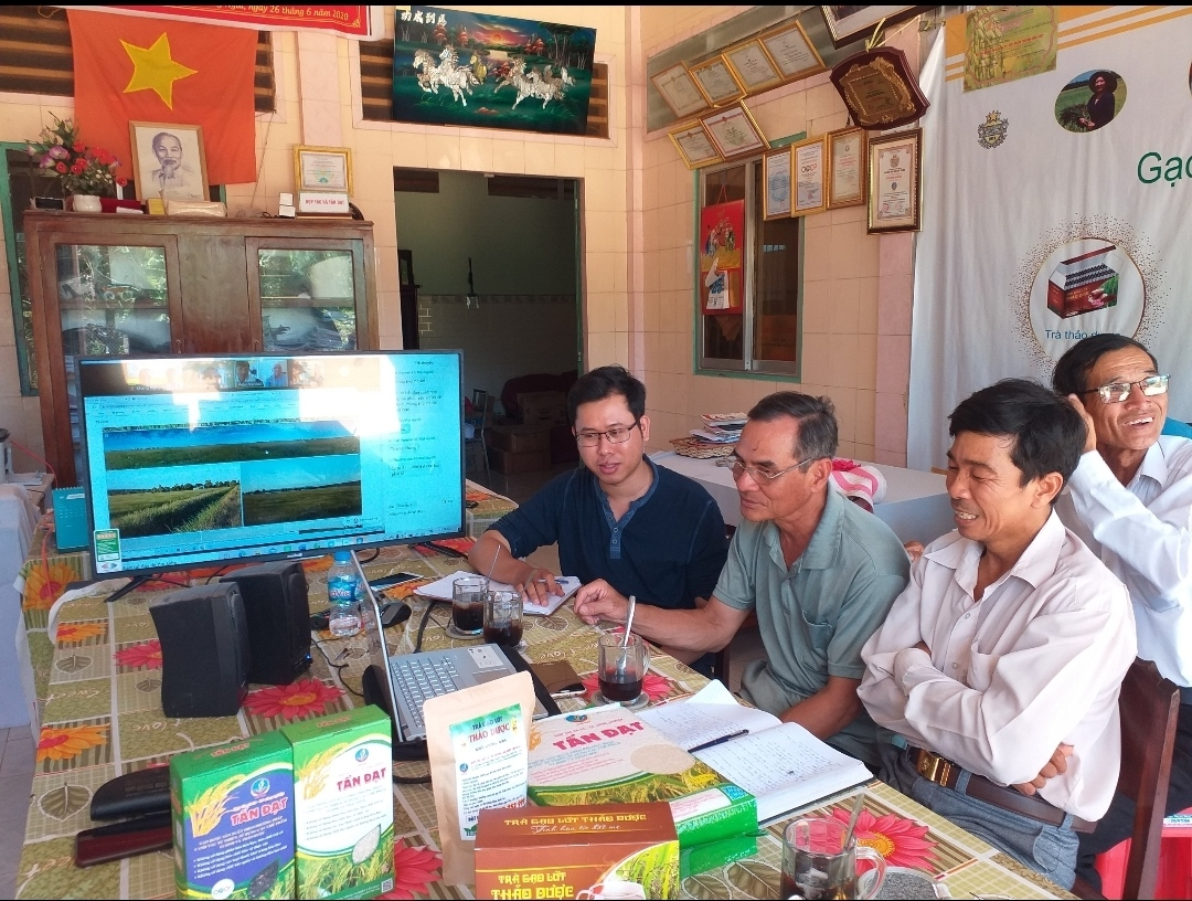 Project: Supporting the Tan Dat Organic Rice Cooperative to grow, certify and trade organic food